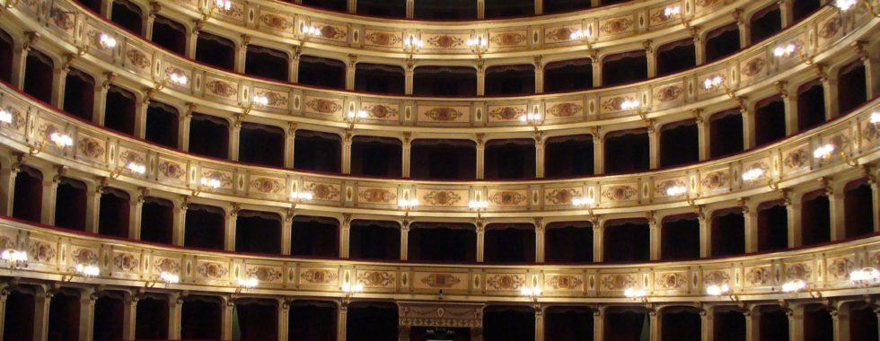 Fermo_-_Teatro_dell'Aquila